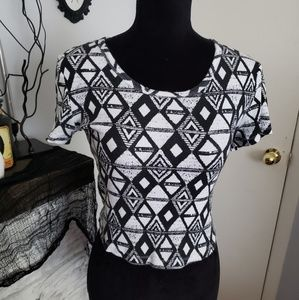 No Boundaries black and white cropped top. Size L